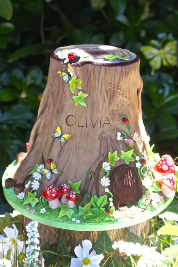 woodland+cake+tree+stump