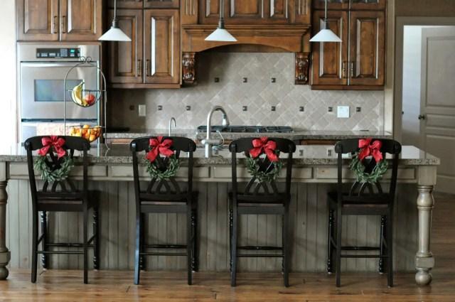 sillas-decoradas-para-navidad1