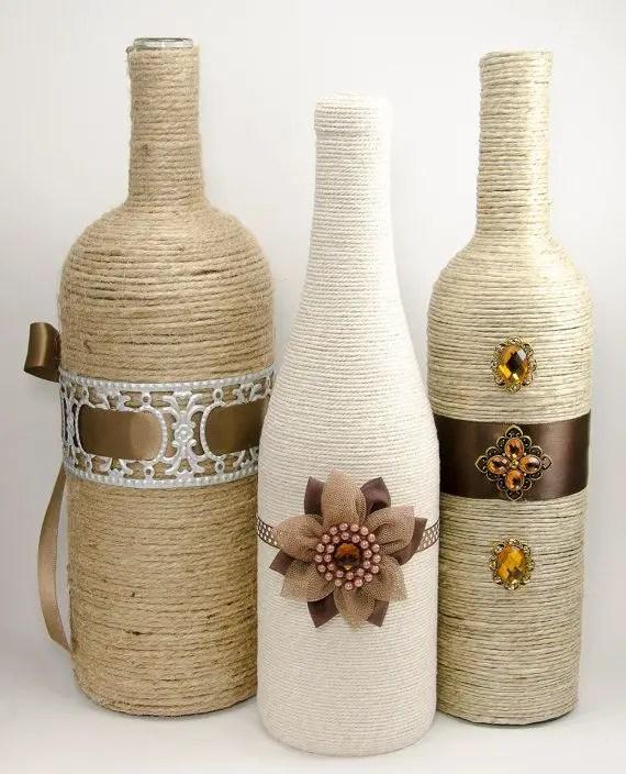 Decora botellas con hilo r stico y yute dale detalles for Botellas de vidrio decoradas para navidad