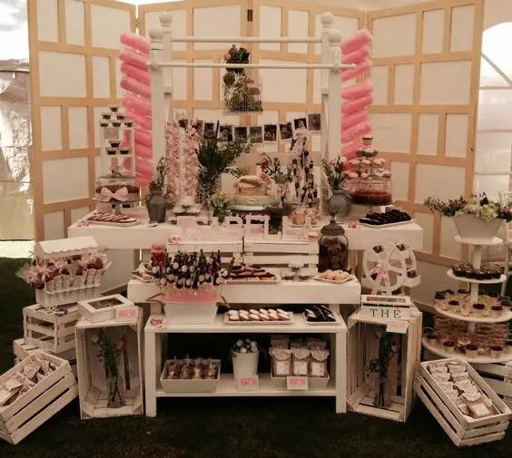 Mesas de dulces usando cajas de madera dale detalles for Como decorar cajas de madera para centros de mesa