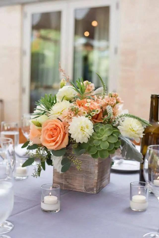 Matrimonio Bohemien Wedding : Centros de mesa con cajas madera dale detalles