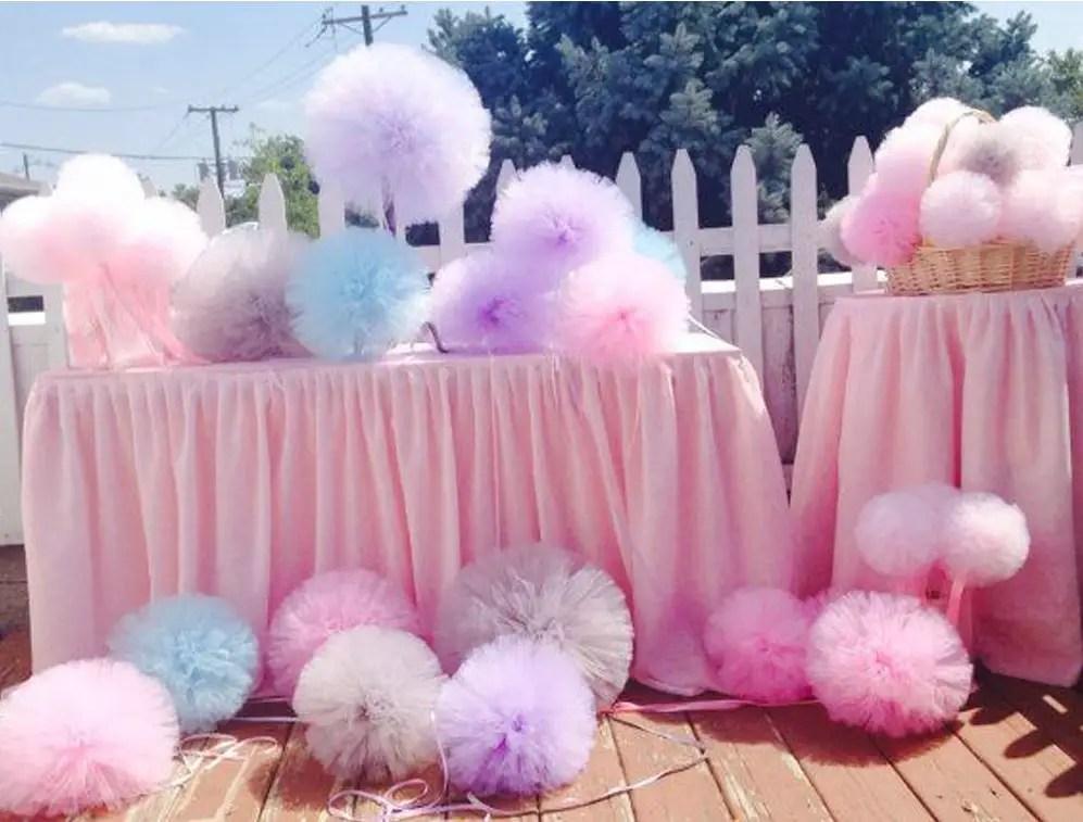 Paso a paso para hacer pompones de tul dale detalles - Como hacer pompones para decorar fiestas ...