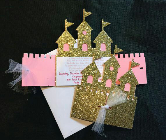 invitaciones con forma de castillo