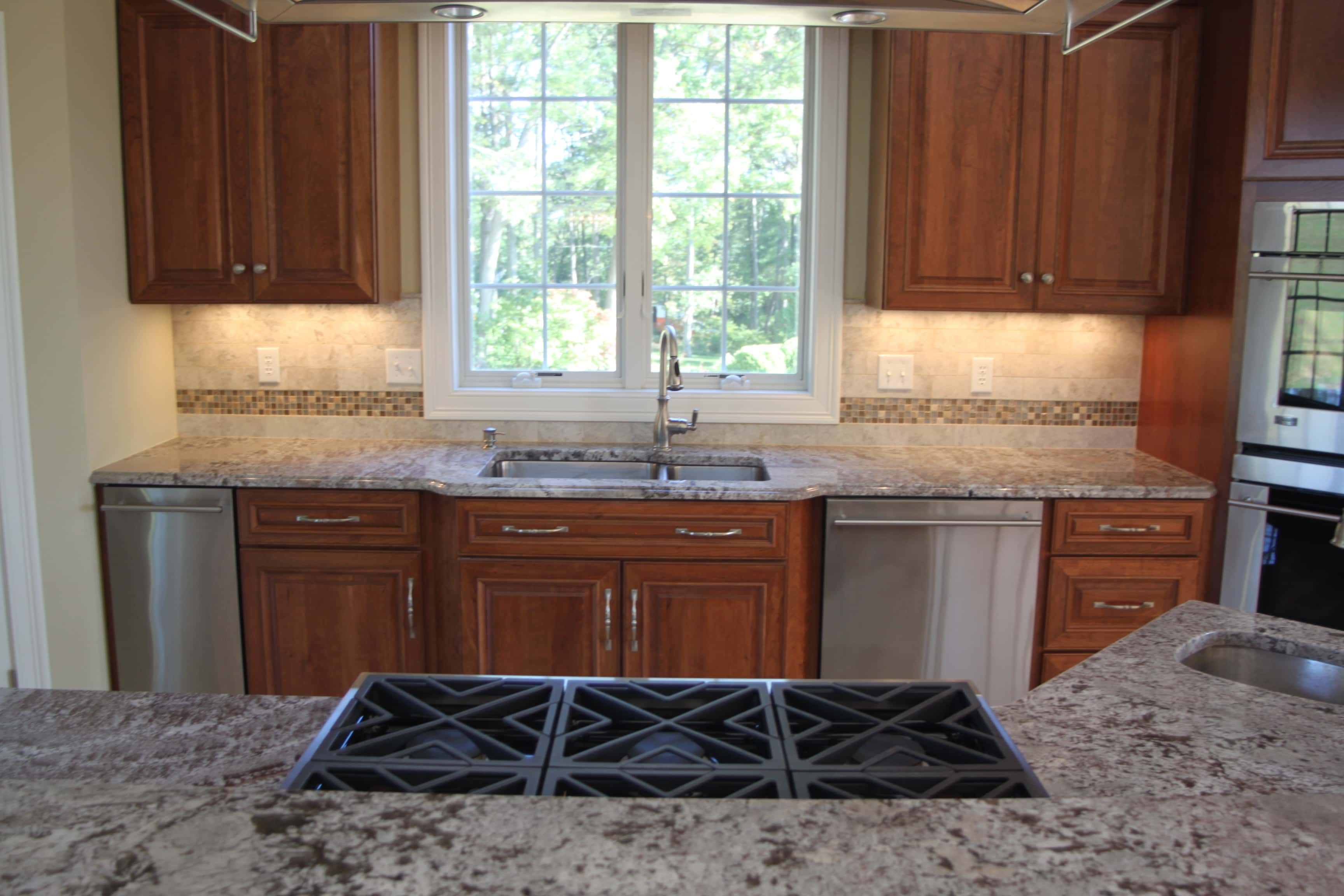 matching countertops to cabinets