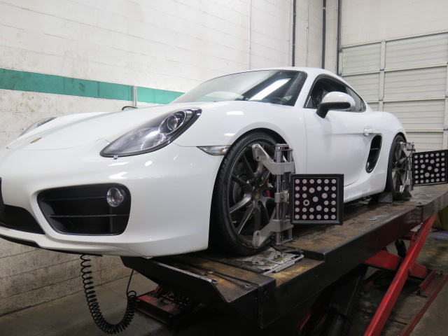 Bilstein PSS10 Damptronic installed into a Porsche '14 Cayman S