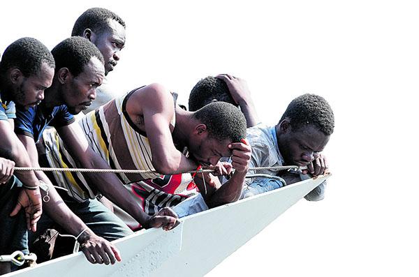 Migranti e lavoro. Due proposte    di Cesare Molinari