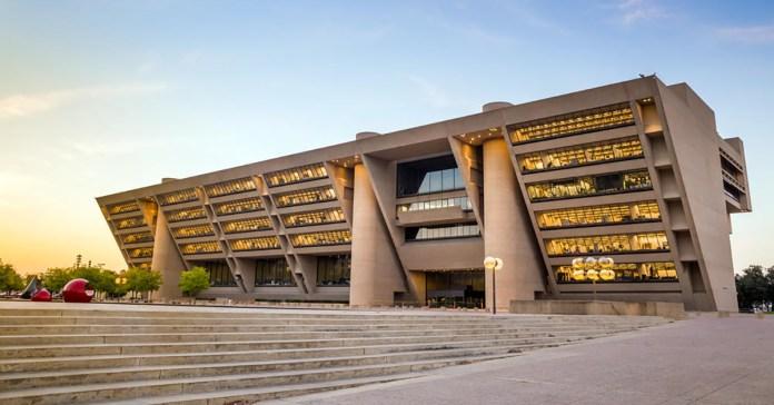 Dallas City Hall 2 Web - Kuy Cek Beberapa Lokasi Epic Yang Dijadikan Lokasi Shoot Film Terkenal!