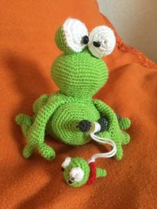 Froschmama mit Baby (alle Rechte liegen bei mir)