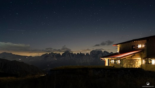 Palcoscenici notturni Rifugio Segantini by Alberto Bregani