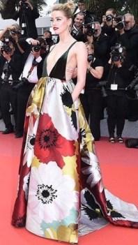 5. Amber Heard è in Valentino, lo stesso abito di Serena Williams al party del principe Harry e Meghan