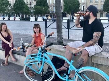 Bordeaux-Pique nique lungo il Quai