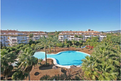 3 bedroom middle floor apartment – 239,000 euros