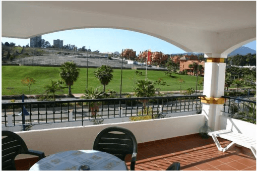 2 bedroom middle floor apartment – 260,000 euros