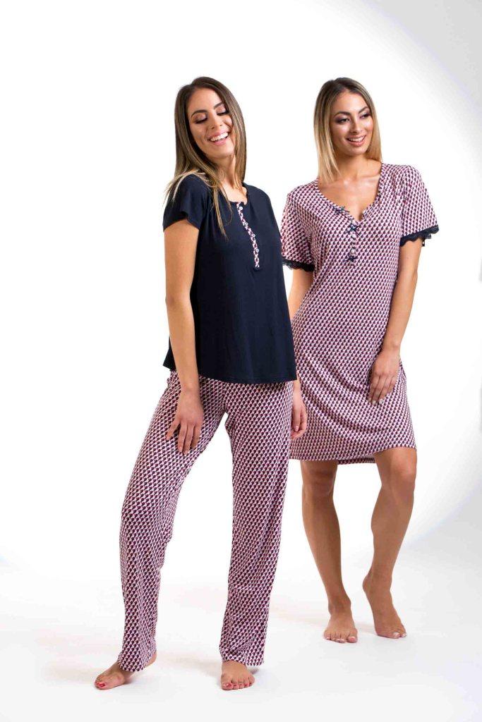 Πυτζάμες με κουμπιά