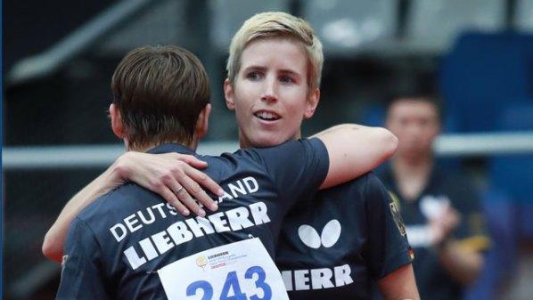 Doppel-Europameisterinnen Nina Mittelham und Kristin Lang Damen Tischtennis-Bundesliga