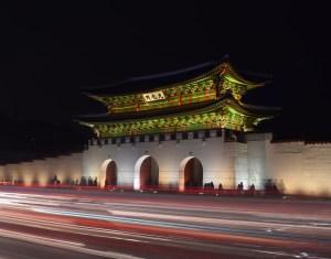 seoul-palace-at-night