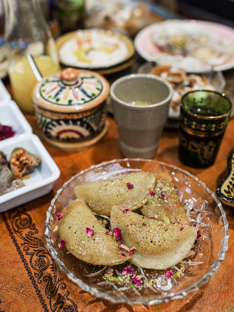 petra nomad tea brunch lovers lyon atayef