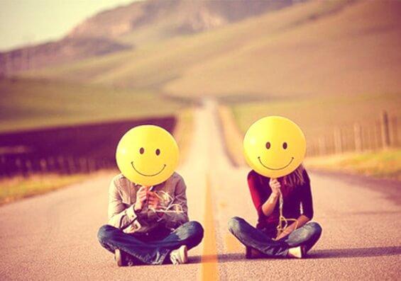 world-smile-couple