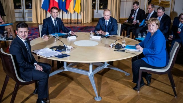 Volodymyr Zelensky, Emanuel Macron, Vladimir Putin and Angela Merkel in Paris in December 2019
