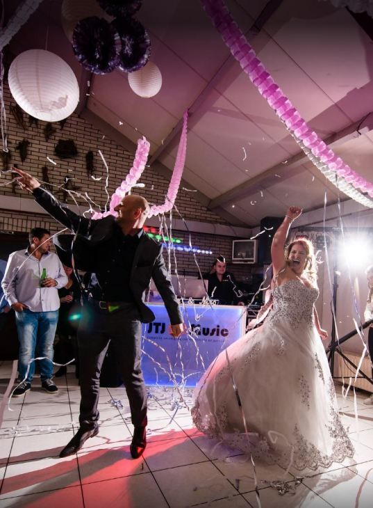 Openingsdans bruiloft Dennis en Diana