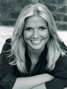A black and white headshot of Lucinda Kennard, a dancer.