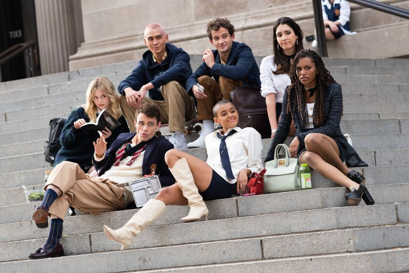 tv shows so chic right now that you can take their fashion direction to heart and use it to inspire your look this fall 2021, including White Lotus and Gossip Girl.