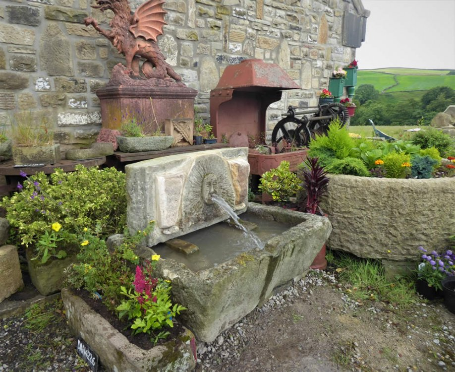 DAN 4510, GRITSTONE GREEN MAN WATER FEATURE (3)
