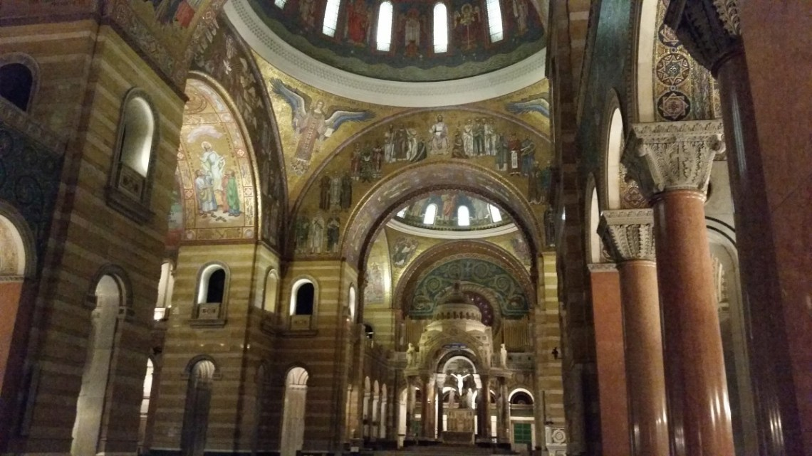 Basilica of St. Louis - Inside