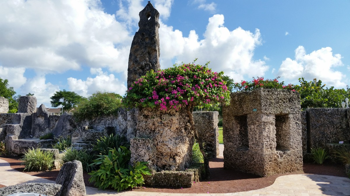 Coral Castle: Romantic Gesture or Deranged Obsession?