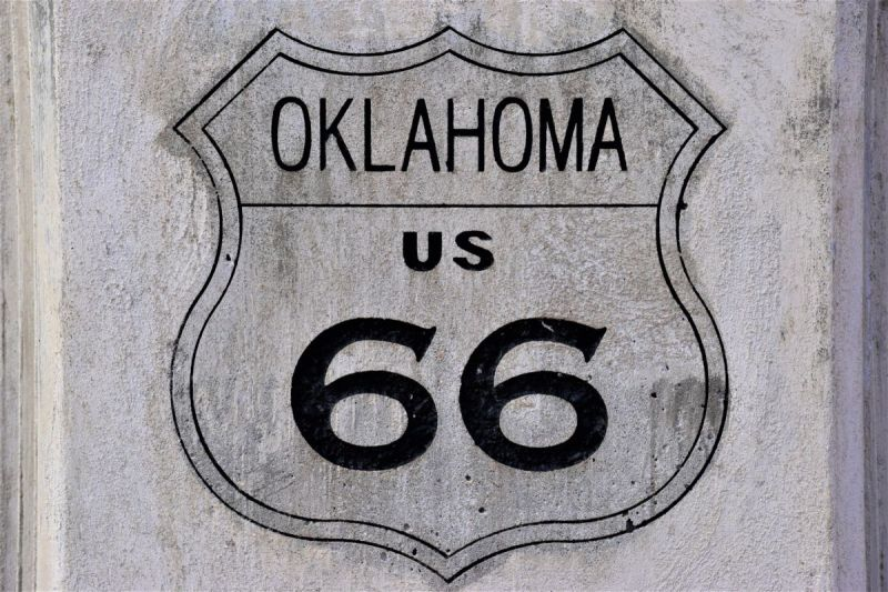 Utterly awesome to notable historic to wacky weird to lip-smacking delicious, here are our recommendations for the must see Route 66 attractions.