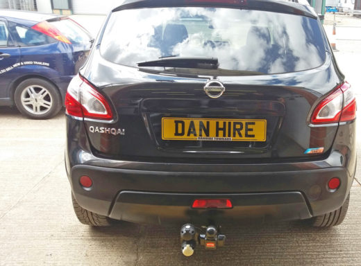 Nissan Qashqai fitted with Twin Universal Electrics