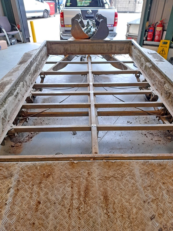 PHENOLIC faced flooring