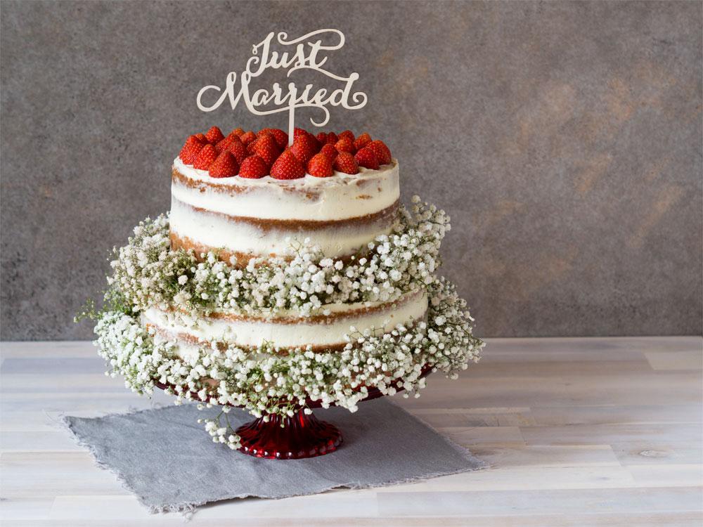 Hochzeitstorte mit Erdbeeren und Limetten