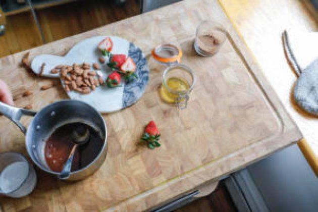 strawberries, food, snacks, chocolate, dairy free, sauce, healthy, recipe, idea, cooking, baking, dan churchill, coco choc sauce