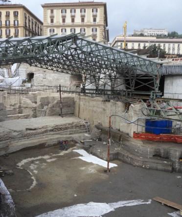Il sito archeologico dell'antico porto di Napoli, a pochi metri sotto l'attuale livello del mare. Credit: © Hugo Delile