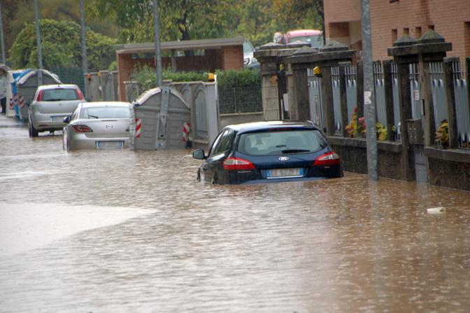 Il maltempo continua a flagellare l'Italia, video e foto dei telespettatori di Sky TG24