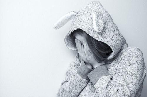 daar sta ik alleen, onzekerheid, kwetsbaar