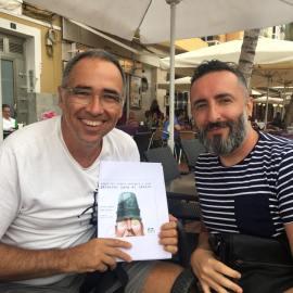 Preparando una nueva publicación con Álex Falcón.