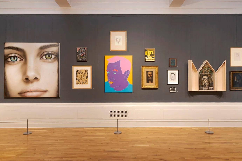 Heads Roll installation view, Graves Gallery, Sheffield 2018 – Imge courtesy Graves Gallery, Sheffield – Daniel Pettitt