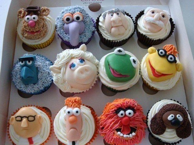 Brilliant muppet cup cakes. Perhaps the best cup cakes ever?