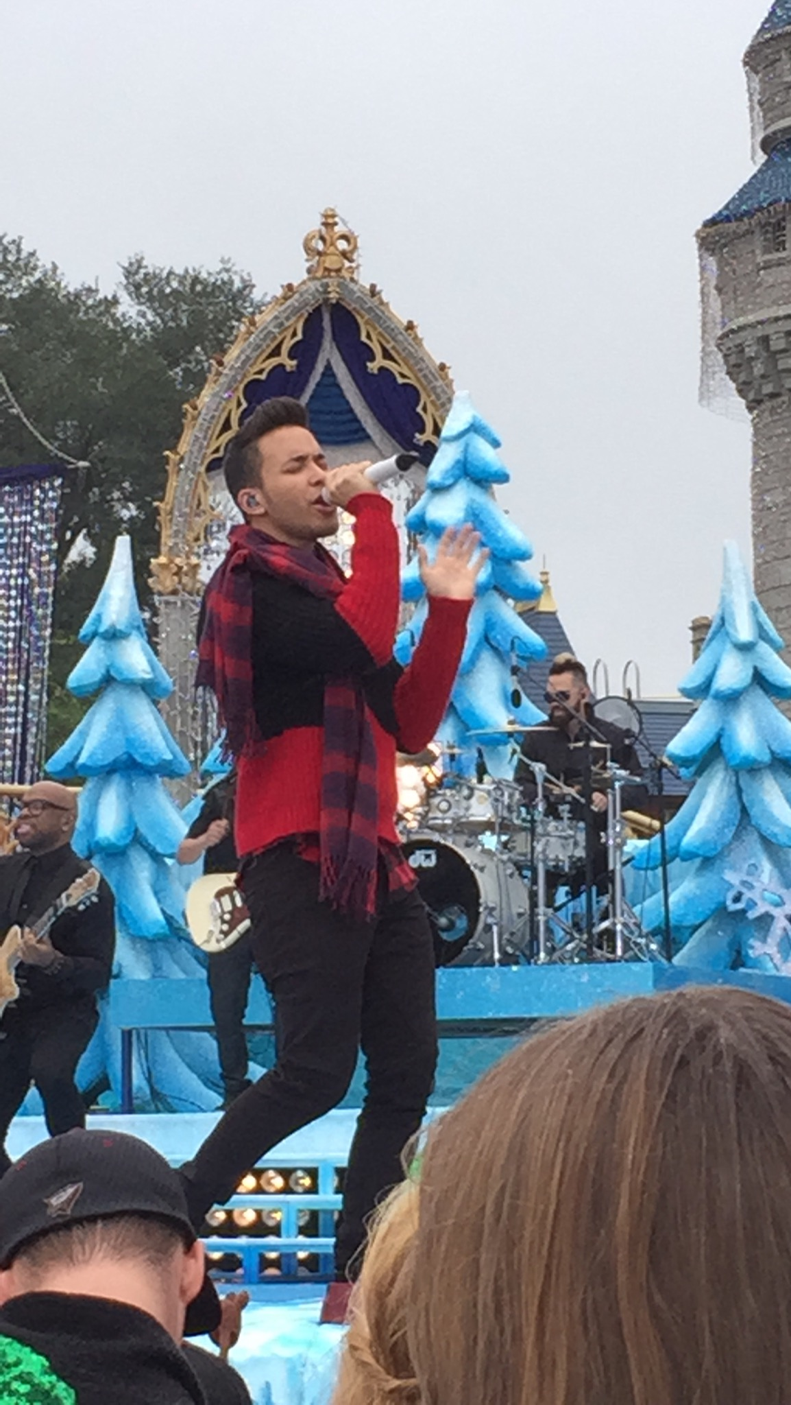 2014 disney parks christmas day parade taping