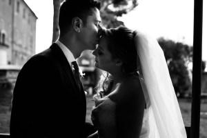Il bacio dei novelli sposi - la forza del Bianco e Nero