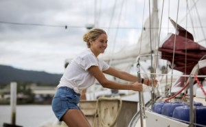 Shailene Woodley nel film Resta con Me