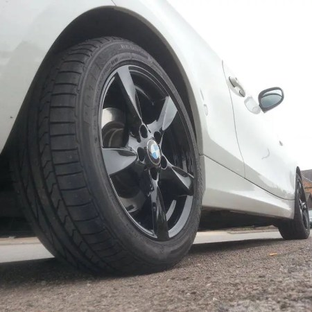 BMW Gloss Black Alloy Wheels Painting Nottingham Derby & Long Eaton