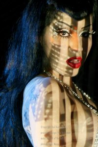 Model: Anabel Miramontes - Photo: Brain Marking - Body Projection Mapping: Paul Ackerman