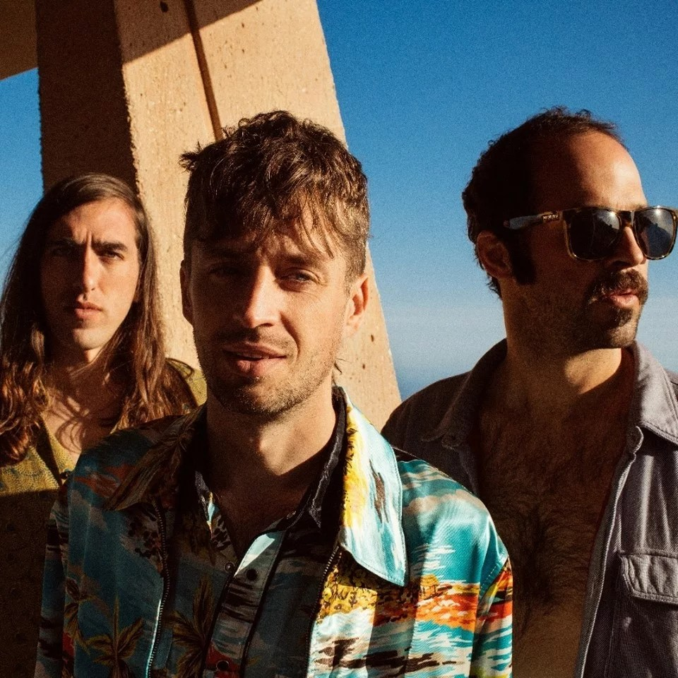 "Nieuwe single Crystal Fighters – ""Boomin' In Your Jeep"""