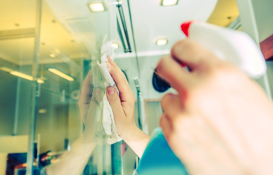 Organic and At Home Solutions for Cleaning Glass