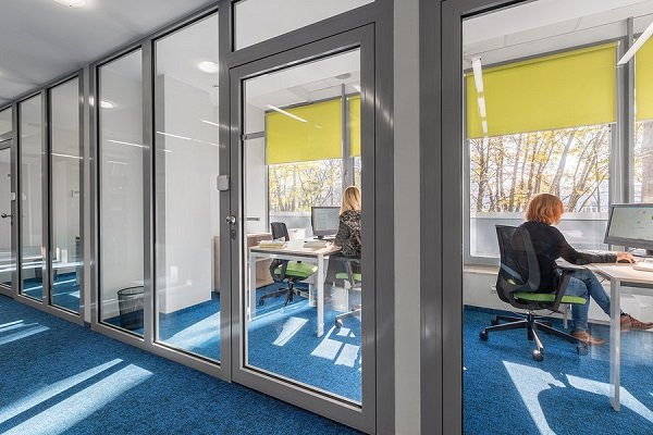 Adding Decorative Glass into your Office Space