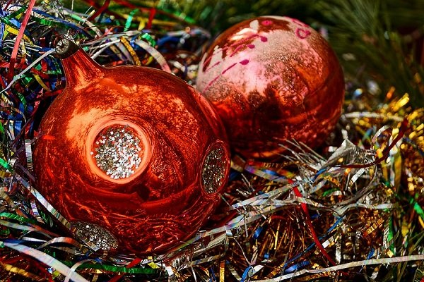 Using Colored Glass this Holiday Season