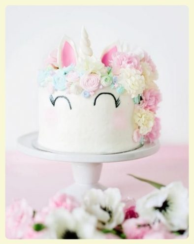 Battle de rainbow cakes diy de l 39 unicorn cake recettes for Decoration gateau licorne